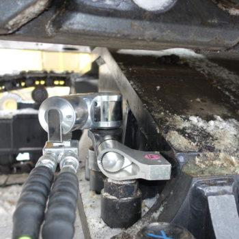 Belte til ramme bolter blir trukket med Ice m/roterbart mothold